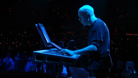Jordan Rudess mid-song at RCMH