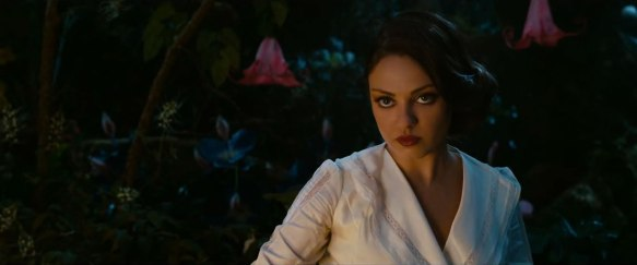 oz-the-great-and-powerful-trailer-3