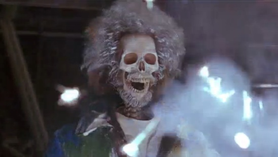 home-alone-2-daniel-stern-as-marvs-skeleton