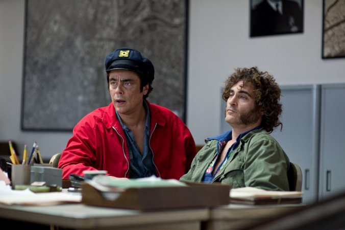 benecio-del-toro-and-joaquin-phoenix-in-inherent-vice