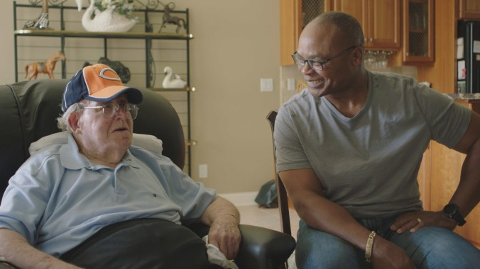 Buddy Ryan and Mike Singletary share a moment