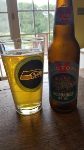 I'm trying to get into Victory Brewing more, so I picked up their No Brainer IPA. Easily drinkable yet a respectable 6.8% ABV. Citrusy hops make themselves known loudly. Yummy.